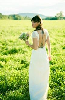 Bella | A Beautiful, Backless Wedding Dress