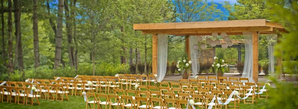 Topnotch Outdoor Wedding Venue